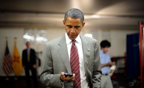 Barak Obama BlackBerry popsa.biz